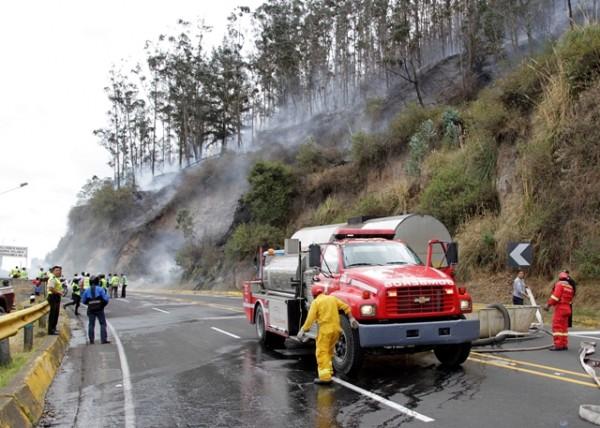 http://www.larepublica.ec/wp-content/uploads/2012/09/incendio11-e1348085100460.jpg