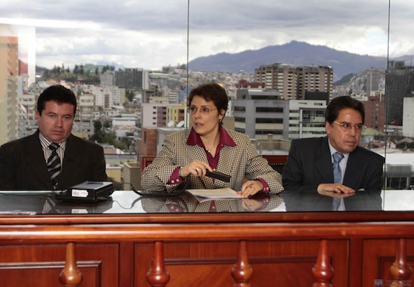 JUEZA CARMEN ZAMBRANO  EN CASO LULUNCOTO