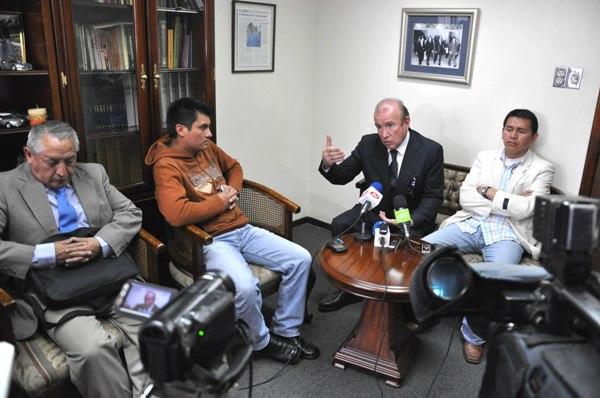 RUEDA DE PRENSA CASO VEEDORES SOBRE ASILO POLITICO