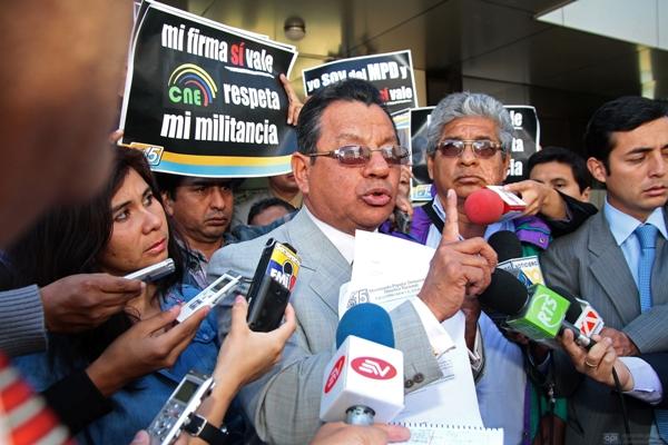 MPD DENUNCIA IRREGULARIDADES EN LA REVISION DE FIRMAS EN EL CNE