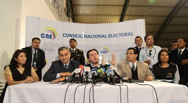 CNE PREPARA VERIFICACION DE FIRMAS