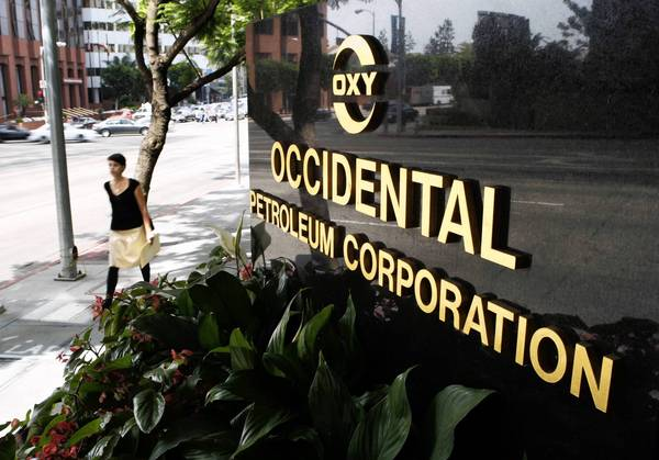 Occidental, Exxon earnings hit by lower oil and gas prices