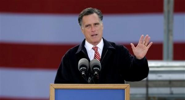El candidato presidencial republicano Mitt Romney habla sobre economía en un acto de campaña en Ames, Iowa, el viernes 26 de octubre de 2012. (Foto AP/Charlie Neibergall)