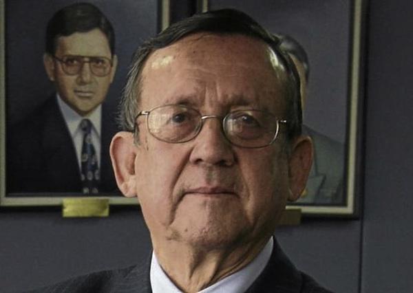César Robalino