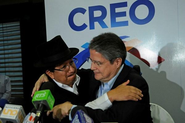 Auki Tituaña decidió este declinar su candidatura a la Vicepresidencia