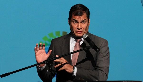 QUITO 28 DE NOVIEMBRE DEL 2012. El Presidente Rafael Correa acude al VII Encuentro Anual de Energia y Petroleo. FOTOS API / JUAN CEVALLOS.