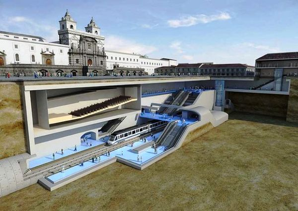 Futura parada del metro de Quito bajo la Plaza de San Francisco.