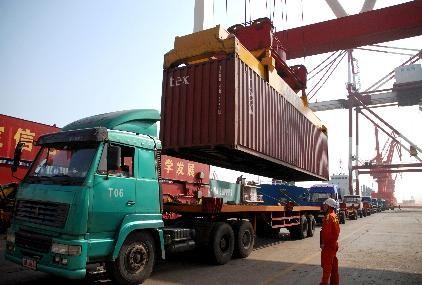 Déficit comercial de EE.UU creció en octubre por bajas exportaciones