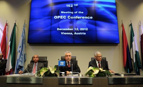 Reunión de la OPEP, en Viena, en una foto de archivo del 12 de diciembre de 2012. EFE