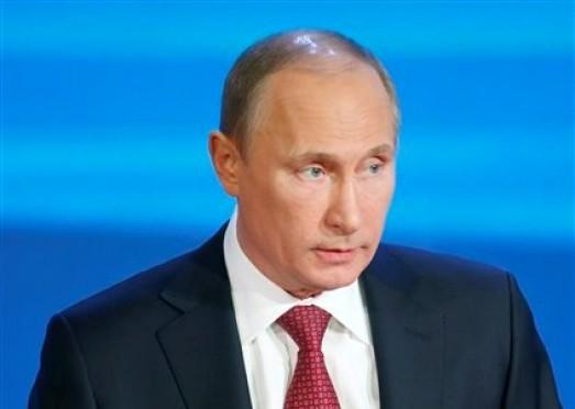 El presidente ruso Vladimir Putin habla en una conferencia de prensa en Moscú, Rusia, el jueves 20 de diciembre de 2012. (Foto AP/Misha Japaridze)