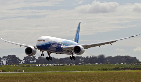 BOEING 787 DREAMLINER ARRIVAL AUCKLAND
