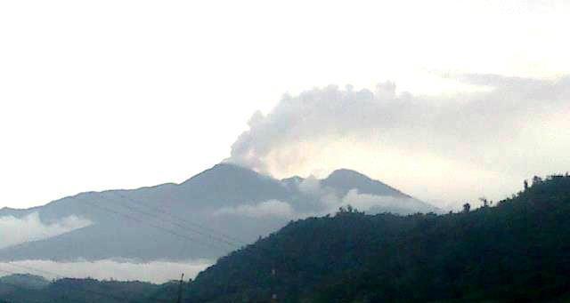 Volcán Reventador. Foto de archivo