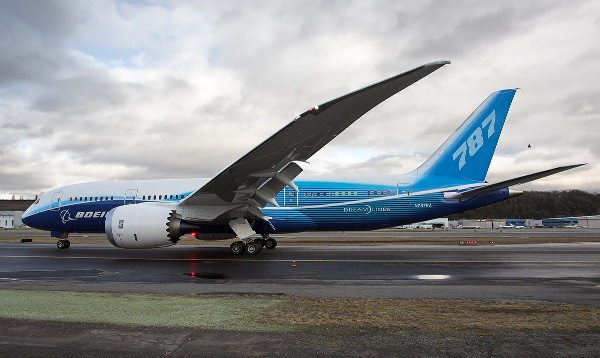boeing_787_perspective_view