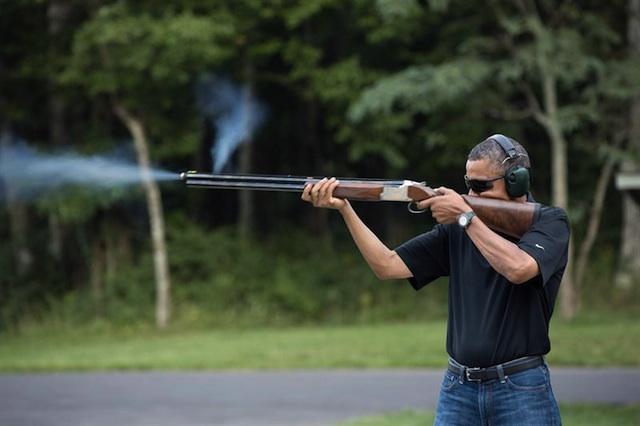 Obama disparando