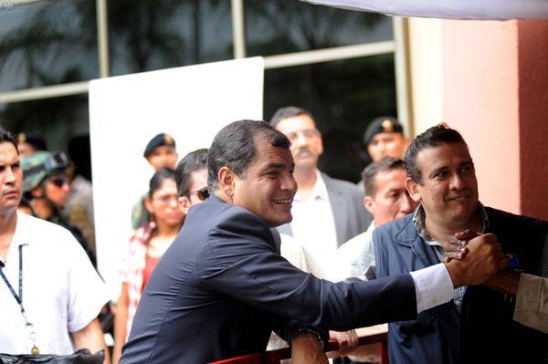 Guayaquil, 26 de Febrero del 2013. El presidente Rafael Correa realizo visita al CNE. APIFOTO/CÉSAR PASACA