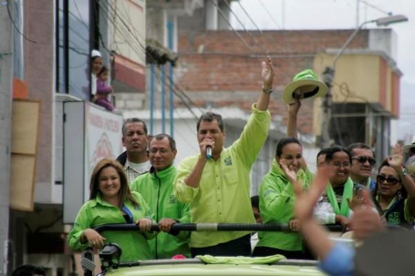 Píllaro (Tungurahua), 21 de enero del 2013El Presidente Rafael Correa visitó el cantón Píllaro en su recorrido de campaña política, posteriormente se dirigió a Ambato, luego a Pelileo y finalmente a Baños.APIFOTO/Carlos Campaña