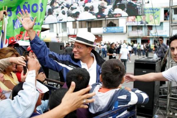 Guaranda, 12 de enero del 2013 El Presidente Rafael Correa llegó hasta la Plaza Roja en Guaranda para festejar los 6 años de la Revolución Ciudadana. En la foto Jorge Glas. APIFOTO/Carlos Campaña