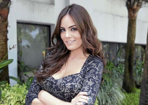 "la pantalla chica como protagonista de la telenovela ""La tempestad ..."