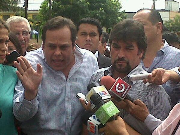 Ministerio del interior se burla de carlos vera en twitter for Twitter ministerio del interior ecuador