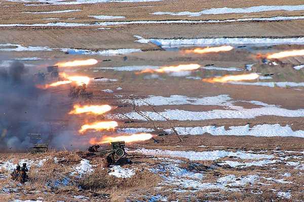 Corea del Norte sigue con sus ejercicios militares