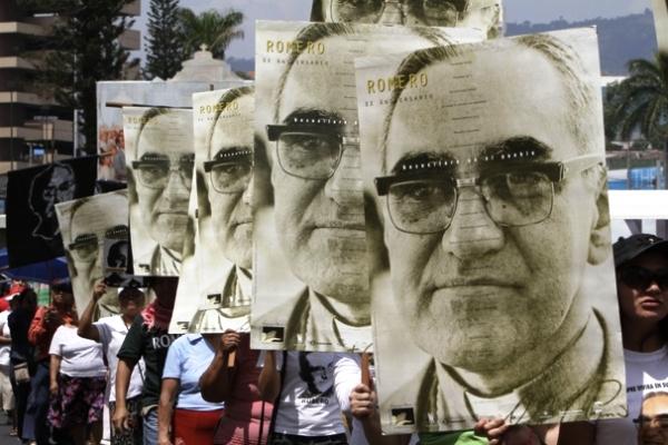 Oscar Romero-en-El-Salvador-1