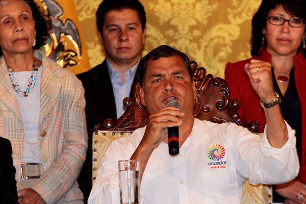 QUITO 5 DE MARZO 2013.  Presidente de la Republica espresa sus condolencias y su sentir por la muerte de Hugo Chevez. FOTOS API / JUAN CEVALLOS.
