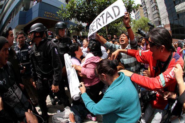QUITO 15 DE MARZO 2013. Audiencia de los 12 estudiantes detenido del Central Tecnico. FOTOS API / JUAN CEVALLOS..