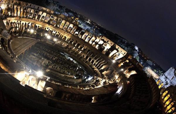 ROMA (ITALIA) 29/03/2013.- Vista aérea del Coliseo en Roma (Italia) hoy, viernes 29 de marzo de 2013, ya preparado para la tradicional ceremonia del Vía Crucis que estará presidida por el papa Francisco. EFE/ Claudio Peri