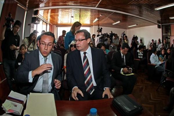 QUITO 4 DE MARZO DE 2013. El ex candidato a la preisdencia Nelson Zabala acudio al Tribunal Contencioso Electoral. FOTOS API / JUAN CEVALLOS.