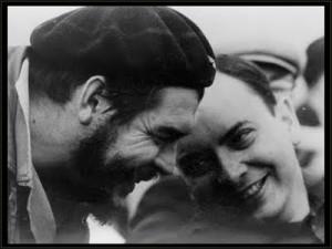 Alfredo Guevara junto al Che.