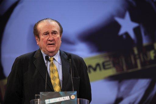 Foto de archivo del 28 de abril de 2010 del presidente de la Conmebol, Nicolás Leoz. Leoz anunció su renuncia al comité ejecutivo de la FIFA el martes, 2 de abril de 2013. (AP Photo/Jorge Saenz, file)