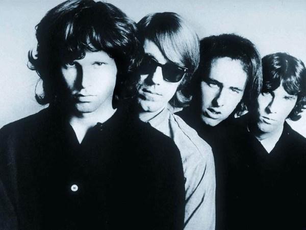 The Doors, de izquierda a derecha, Jim Morrison, Ray Manzarek, Robbie Krieger y  John Densmore