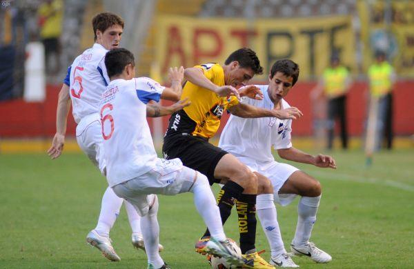 Guayaquil, 17 de Abril del 2013. EN LA FOTO GONZALO CASTILLEJOS DE BARCELONA. En el estadio Monumental Barcelona recibe al Nacional de Uruguay. APIFOTO/CÉSAR PASACA