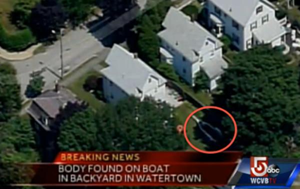 El alcalde de Boston y policías locales confirman que el sospechoso se encuentra en un barco estacionado en el patio trasero de una casa en la calle Franklin de Watertown.