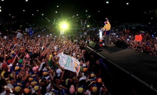 capriles noche cierre