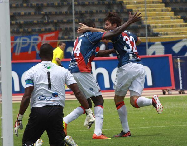 QUITO 28 DE ABRL DE 2013, En el estadio Atahualpa Dep. Quito recibe al Manta FC APIFOTO/DE