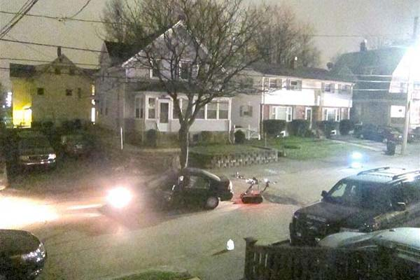 Este era el ambiente fuera de la casa de David Henneberry dueño del bote, donde se escondía Dzhokhar Tsarnaev.