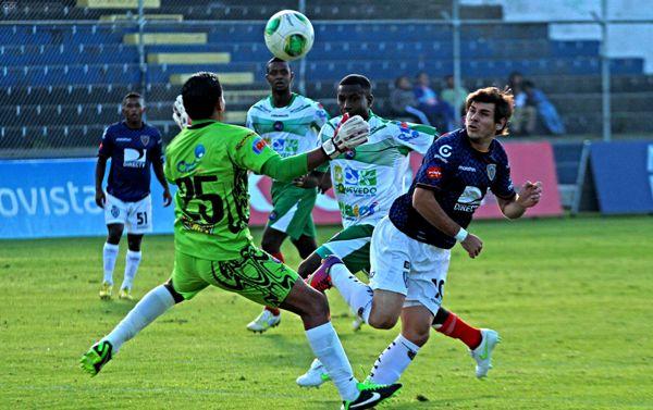 SANGOLQUI 13 DE ABRIL 2013. Independiente vs Deportivo Quevedo. FOTOS API / JUAN CEVALLOS.