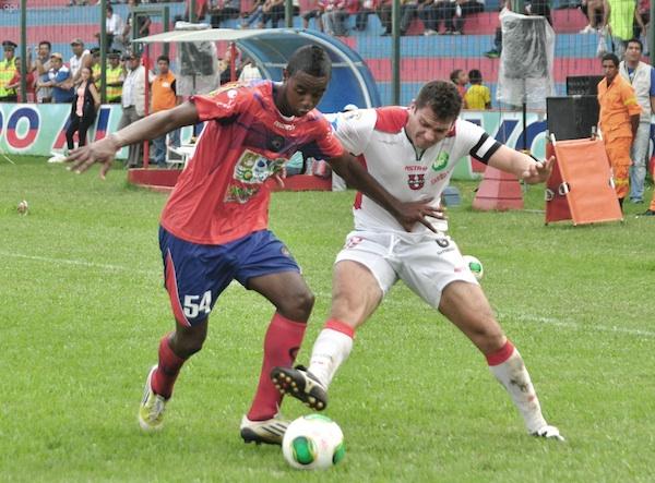 QUEVEDO 07 DE ABRIL DE 2013, Quevedo recibe a la Liga de Loja APIFOTO/JP