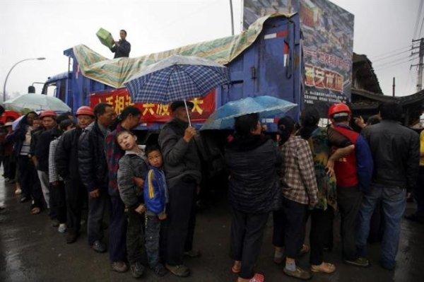 Los esfuerzos se centran en especial en los albergues de campaña instalados para acoger a los desplazados por el terremoto.