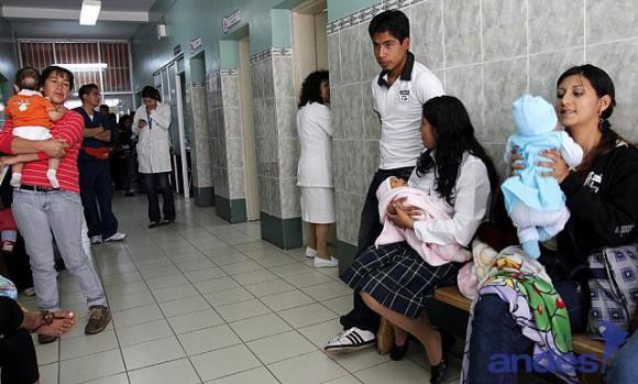 Embarazo adolescente. Foto de Archivo, La República.