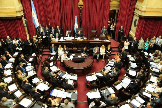 La nueva medida económica, que fue dada a conocer el pasado martes, ingresó anoche en el Senado para su tramitación, y el oficialismo, con mayoría en la Cámara, espera que pueda ser debatida durante la sesión del próximo 22 de mayo.