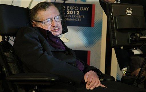 ARCHIVO - Foto de archivo, 16 de junio de 2012, del físico británico Stephen Hawking. El científico ha desistido de sus planes de asistir a una importante conferencia en Israel en junio, lo cual ha disgustado a las autoridades israelíes, que le acusaron el miércoles 8 de mayo de 2013 de apoyar un boicot promovido por los palestinos. (AP Foto/Ted S. Warren)