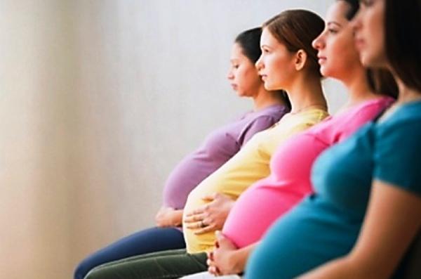Mujeres embarazadas. Foto de Archivo, La República.
