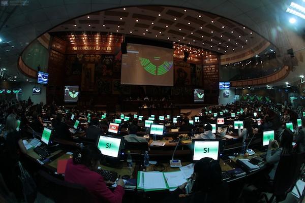 QUITO 31 DE MAYO 2013. Asamblea en el pleno. fotos api / JUAN CEVALLOS.
