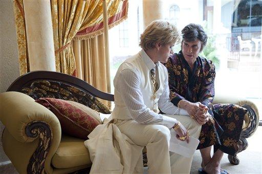 """Michael Douglas, derecha, como Liberace, y Matt Damon, como Scott Thorson en una escena de """"Behind the Candelabra"""" la cual será presentada en el Festival de Cine de Cannes, en una imagen proporcionada por HBO. (Foto AP/HBO, Claudette Barius)"""