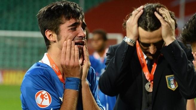 derrota italia
