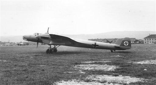 Esta foto de 1937 distribuida el 3 de mayo del 2013 por el Museo de la Real Fuerza Aérea en Londres muestra un bombardero alemán Dornier Do 17 de la Segunda Guerra Mundial, en Zurich. El único ejemplar sobreviviente de ese modelo será extraído de las aguas del Canal de la Mancha despues de haber estado sumergido allí durante décadas. (AP Foto/Museo de la RAF)