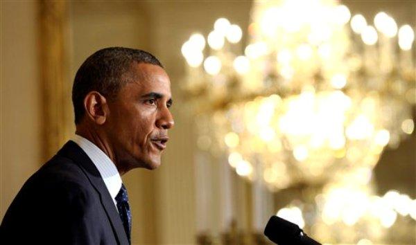 El presidente Barack Obama habla en la Casa Blanca en Washington de las acciones del Servicio de Rentas Internas (IRS por sus siglas en inglés) dirigidas indebida y específicamente contra grupos conservadores, el miércoles 15 de mayo de 2013. Obama anunció la renuncia del comisionado interino del IRS, Steven Miller. (AP Foto/Susan Walsh)