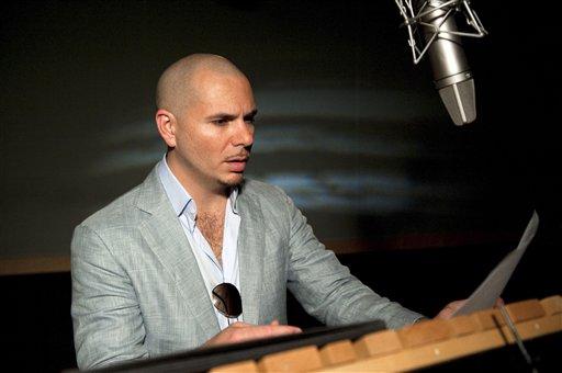 """Pitbull durante la grabación de la voz del personaje Bufo de la película animada """"Epic"""" en una imagen publicitaria proprcionada por 20th Century Fox. (Foto AP/20th Century Fox, Blue Sky Studios)"""